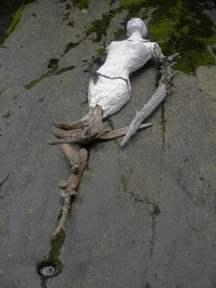 MAYFLY, driftwood, ceramic, 203 x 56 x 14 cm - 2013
