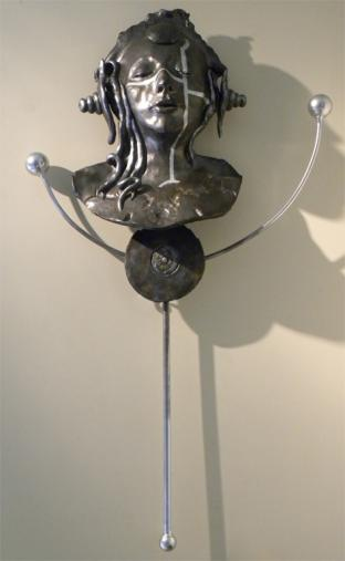 MOON SHADOW, ceramic, metal, 93 x 51 x 15 cm - 2017